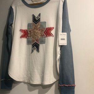 NWT 🎁 Designer Long Sleeve Cool design